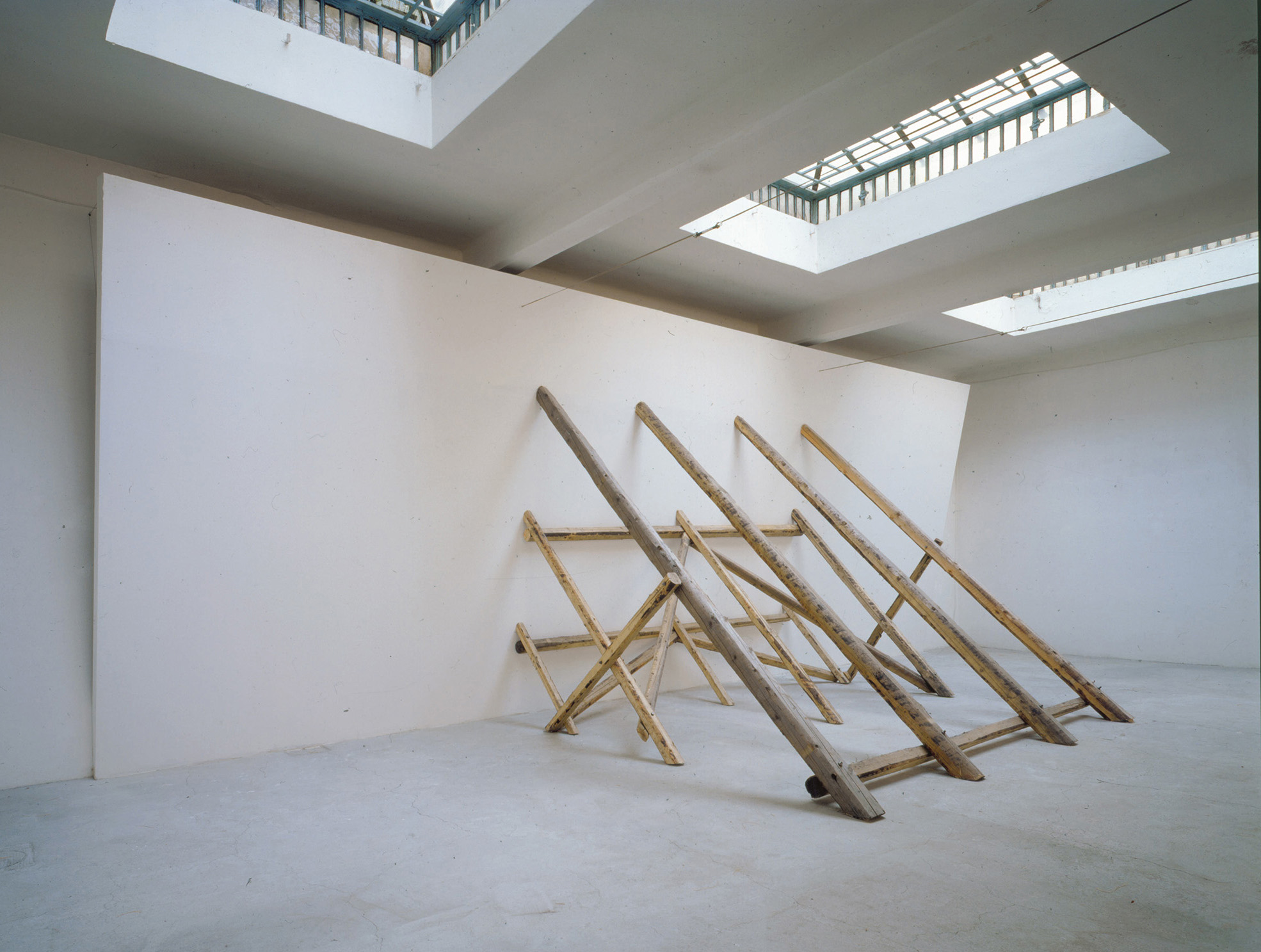 David Lamelas, <i>Untitled (Falling Wall)</i>, 1993. Courtesy David Lamelas and Maccarone New York/Los Angeles.