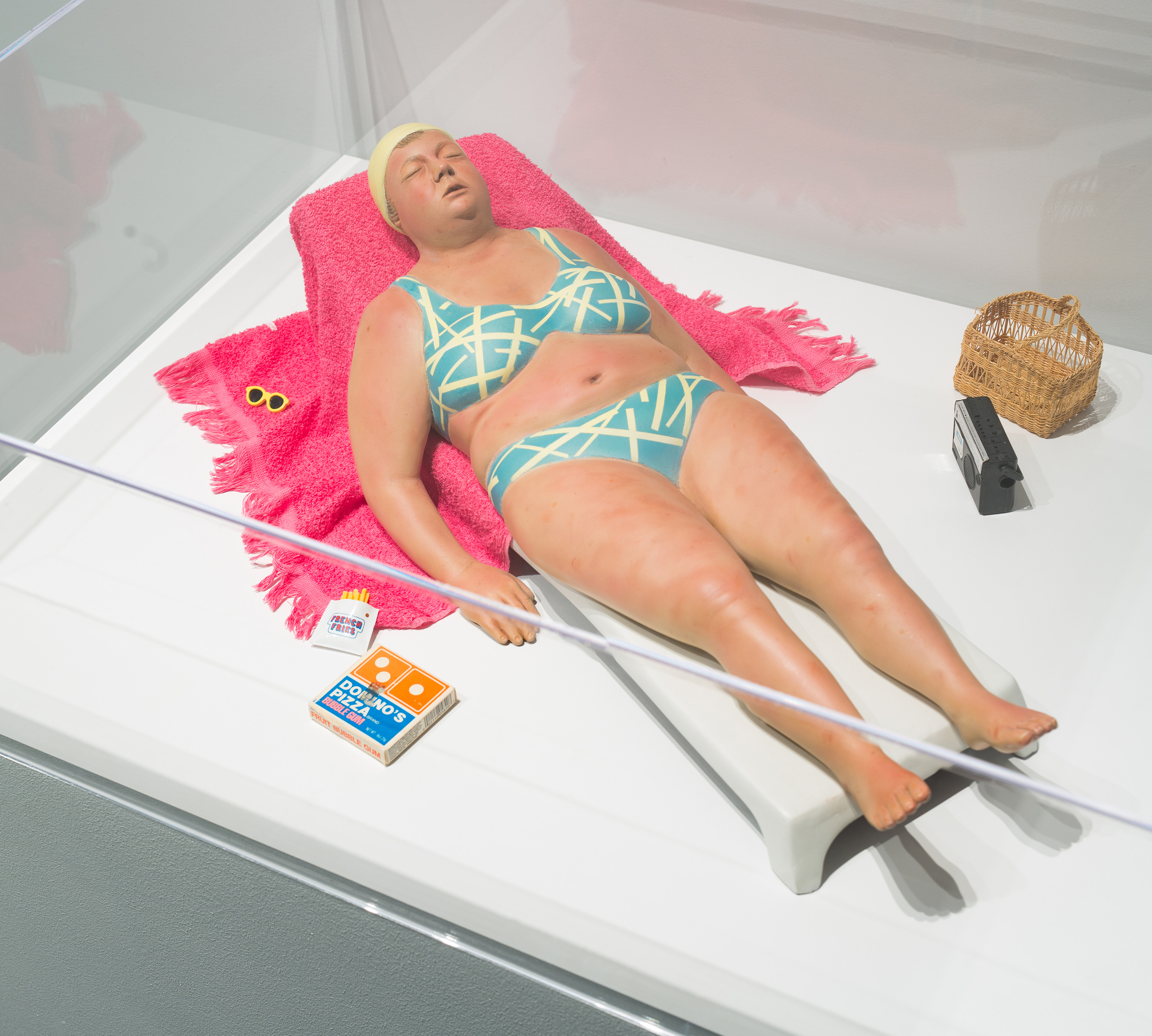 Duane Hanson, <i>Sunbather Study I</i>, 1990, installation view at the Eli and Edythe Broad Art Museum at Michigan State University, 2016. Eli and Edythe Broad Art Museum, Michigan State University, MSU purchase, funded by the Emma Grace Holmes Endowment, the Nellie M. Loomis Endowment in memory of Martha Jane Loomis, and the Office of the Vice President for Research and Graduate Studies. Photo: Eat Pomegranate Photography